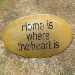 ENGRAVED INSPIRATION STONE - RIVER STONE - HOME IS WHERE THE HEART IS