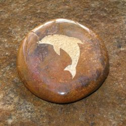 ENGRAVED TOTEM STONE - SEMI-PRECIOUS GEMSTONE - DOLPHIN (INTELLIGENCE, PLAYFULNESS)
